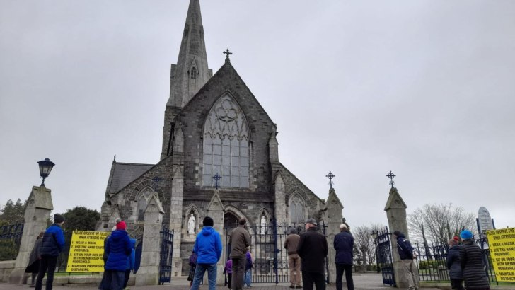 'Outrageous' ban on public worship sets a very 'worrying precedent'