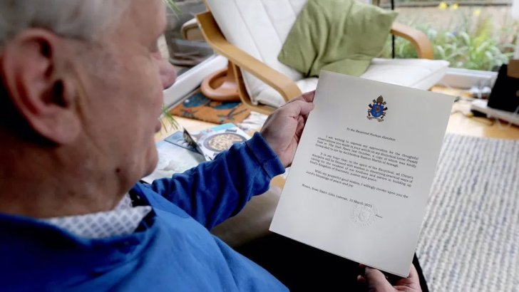Pope's letter to former Presbyterian leader 'significant' as NI faces fraught times