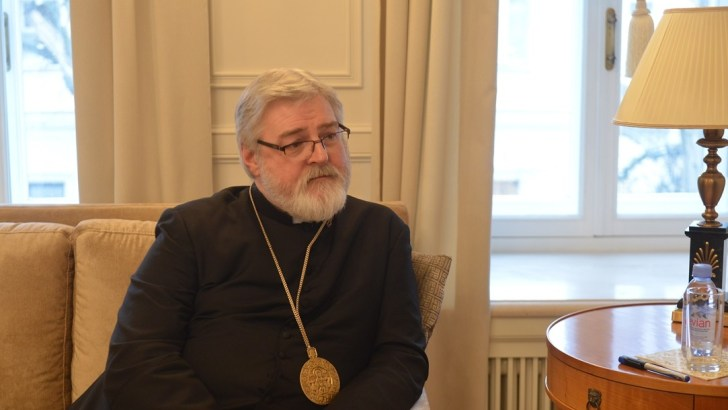 Anglican bishop steps down to join Catholic Church