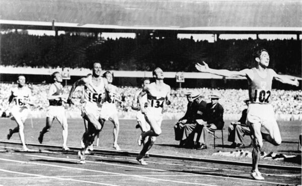 Ronnie Delaney wins gold in 1956. Picture: INPHO/Allsport