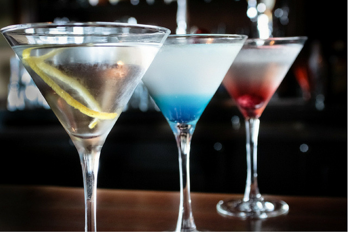 Gin – A Brief History and the 5 Gin Drinks You Should Know