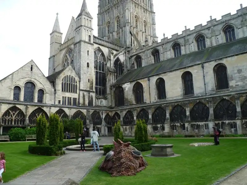 Gloucester Cathedral - Irish Rugby Tours, Rugby Tours To The West Country