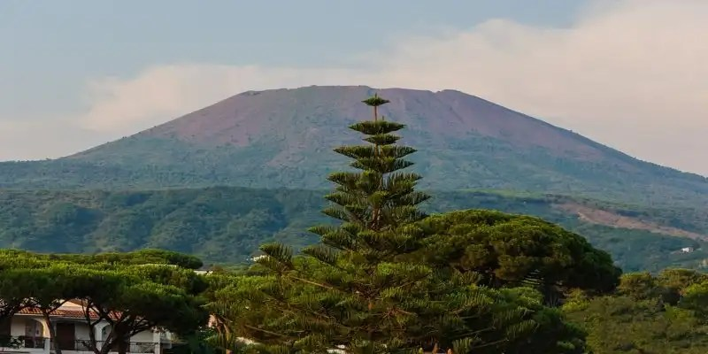 Mount Vesuvius - Irish Rugby Tours, Rugby Tours To Italy