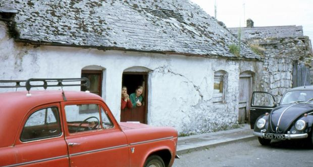 Meeting Lane, Athy, 1968. Photograph:  William Muldowney