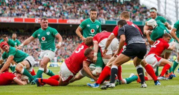 Tadhg Furlong scores his side's second try. Photograph: James Crombie/Inpho