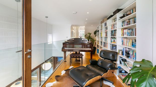 8 Crosthwaite Park East: fine period house on a grand old square