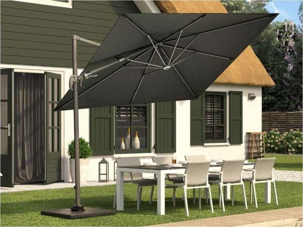The Alexander cantilever garden parasol