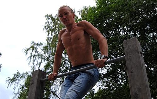 bodyweight-training-muscle-ups