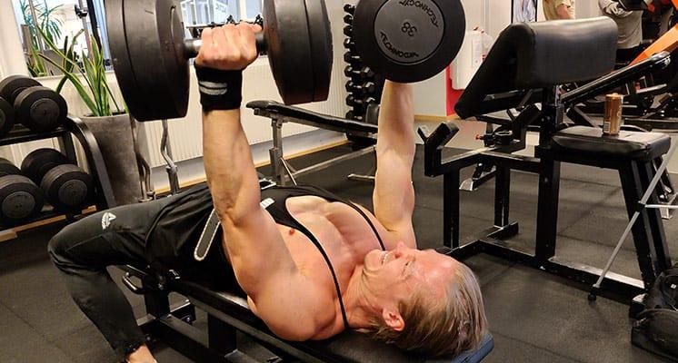 keep-training-intensity-high-when-cutting