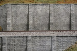 Monroe Models N Scale Retaining Walls Cut Stone (2 pcs) 206
