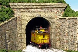 Monroe Models N Scale Tunnel Portal Random Stone Single Track 212