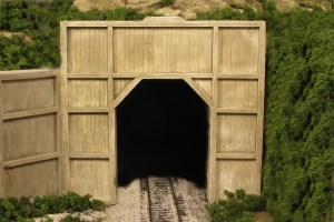 Monroe Models HO Tunnel Portal Wood Outside Braced Single Track 121