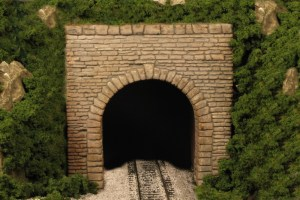 Monroe Models HO Tunnel Portal Eroded Limestone Single Track 130