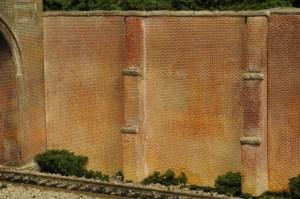 Monroe Models HO Retaining Walls B&O Style Brick (2 pcs) 153