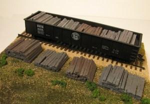 Monroe Models HO Weathered Railroad Tie Stacks (4 pcs) 2108