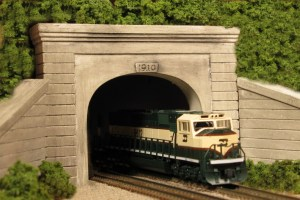 Monroe Models N Scale Tunnel Portal Concrete Double Track 215