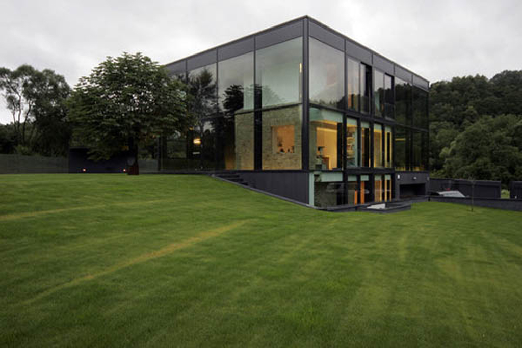 modern glass house designs - Iroonie.com on Modern Glass Houses  id=31524