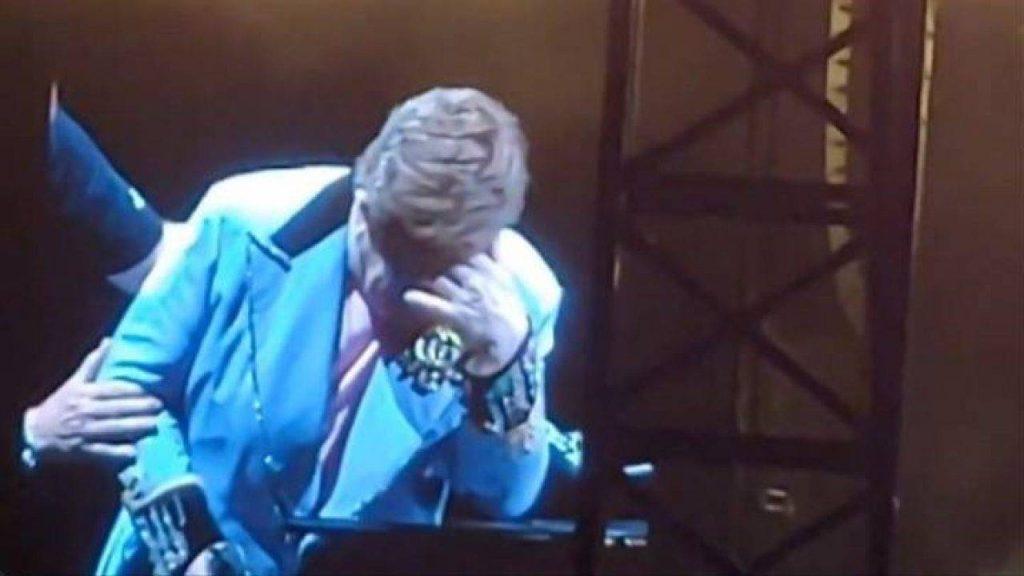 Elton John interrompe un concerto in Nuova Zelanda: