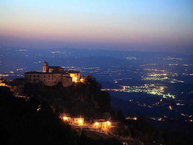 Castelvetere Panorama