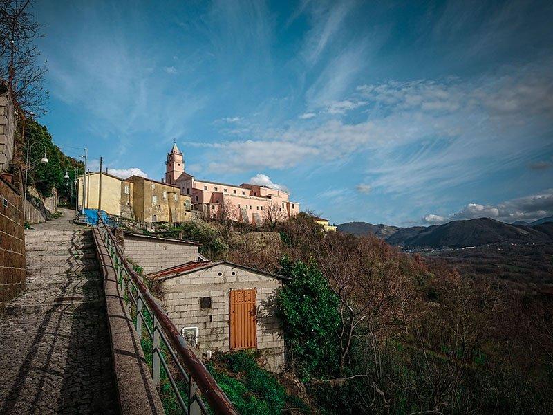 Montefalcione: sentiero Ripa