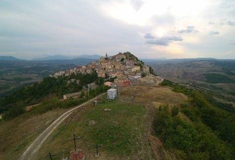 Ill monte Calvario dall'alto
