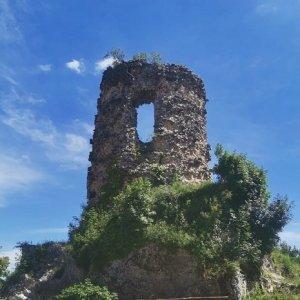Castello di Monteforte dettaglio torre