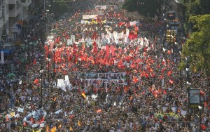 Protesters march during a demonstration against government austerity measures, in central Valencia July 19, 2012. REUTERS/Heino Kalis (SPAIN - Tags: POLITICS CIVIL UNREST)