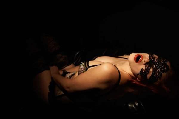 BDSM Spiele, die Grenzen überschreiten - Tunnelspiele