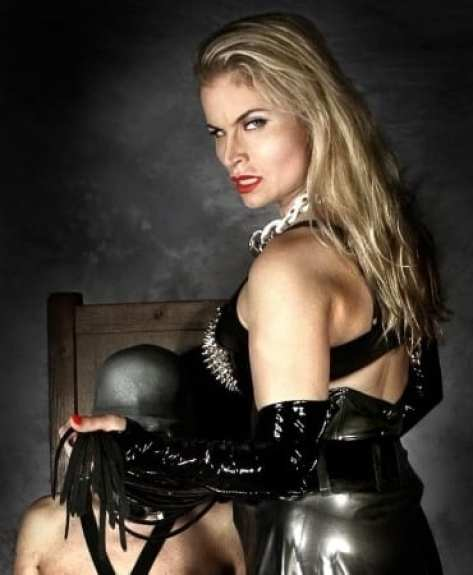 Domina Lady Syonera