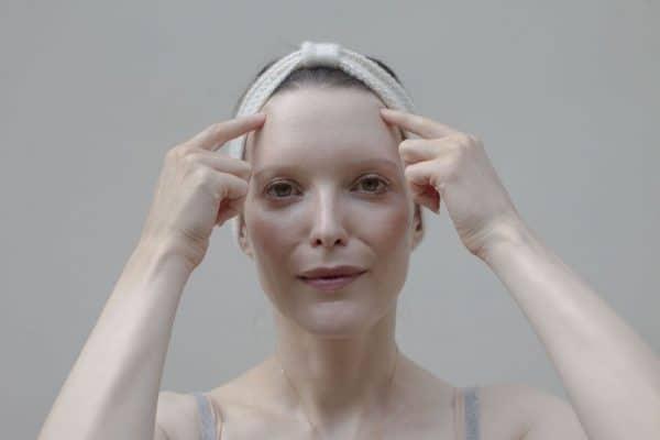 auto-massage yoga du visage