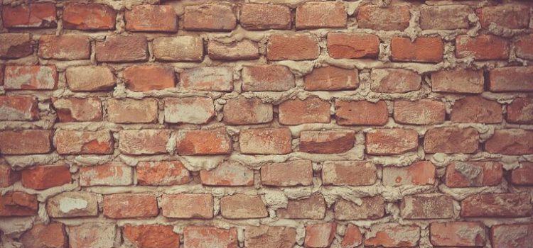 Frapper un mur de brique qui vous encercle