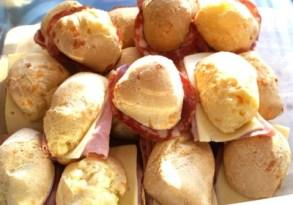 pao de queijo sandwiches