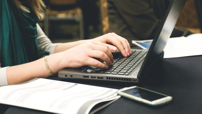 Managing Your Finances When You Blog for a Living
