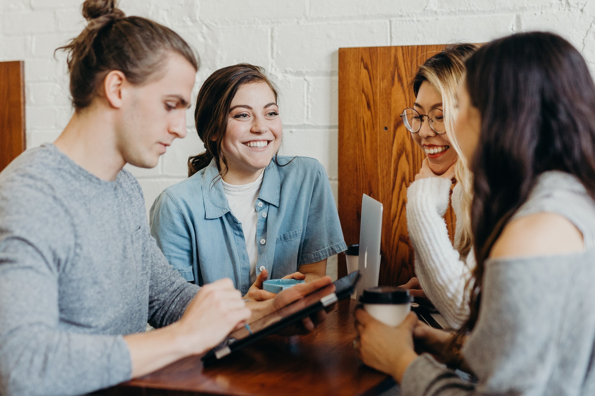 5 Ways To Keep Your Staff More Than Happy In The Workplace