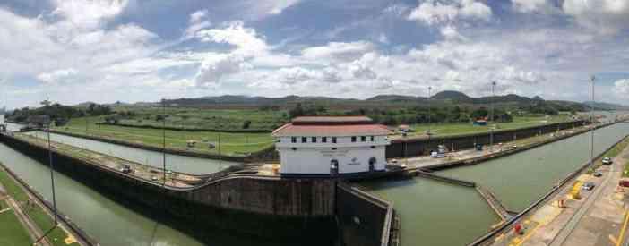 Πανοραμική φωτογραφία του Miraflores Locks