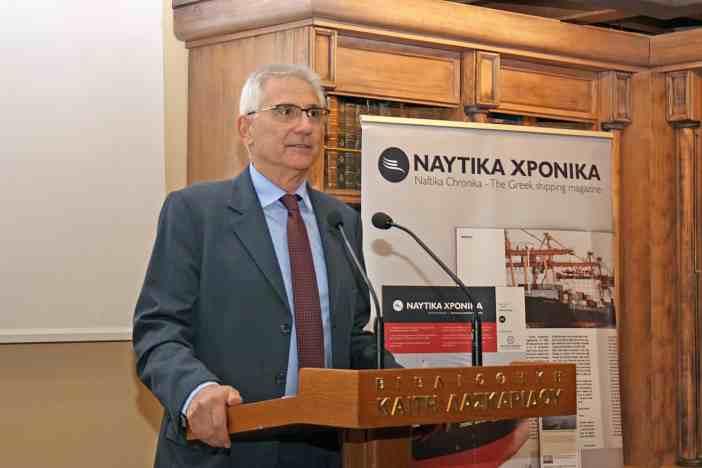 Ο Κοσμήτορας της Σχολής Ναυτιλίας και Βιομηχανίας του Πανεπιστημίου Πειραιώς, καθηγητής Κώστας Χλωμούδης.
