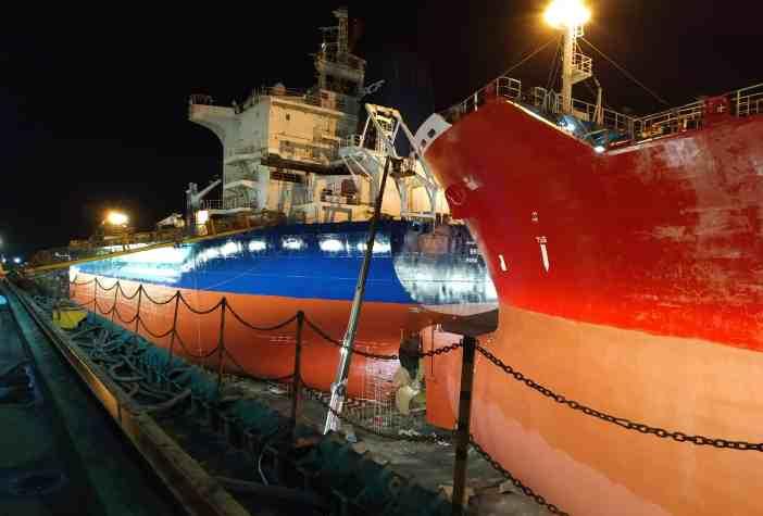 4. Night in the shipyard. Credits to Thanasis Giannakakis