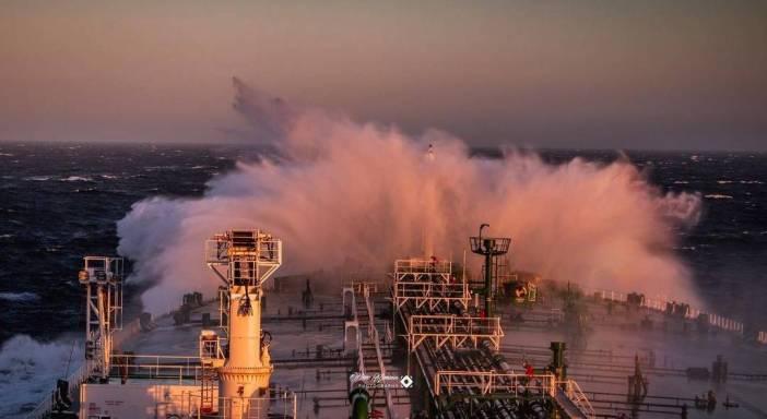 4. Breaking the waves Credits to Vikendios Alamanos