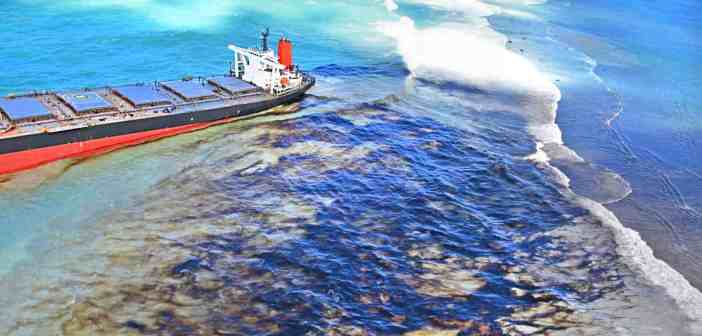 Oil spill off Mauritius after bulk carrier ship Wakashio hit the coral reefs
