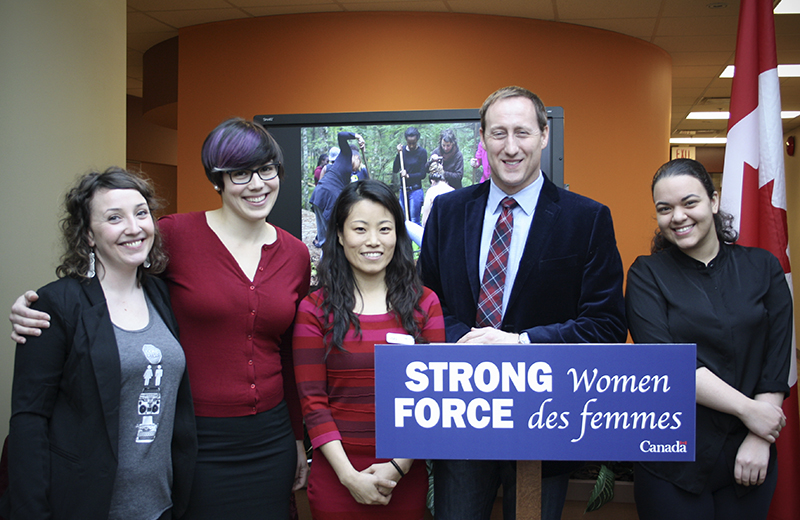 Minister Announces Funding for Young Immigrant Women Leadership Program