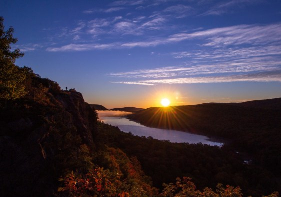 Sunrise at Lake of the Clouds, Porcupine Mountains