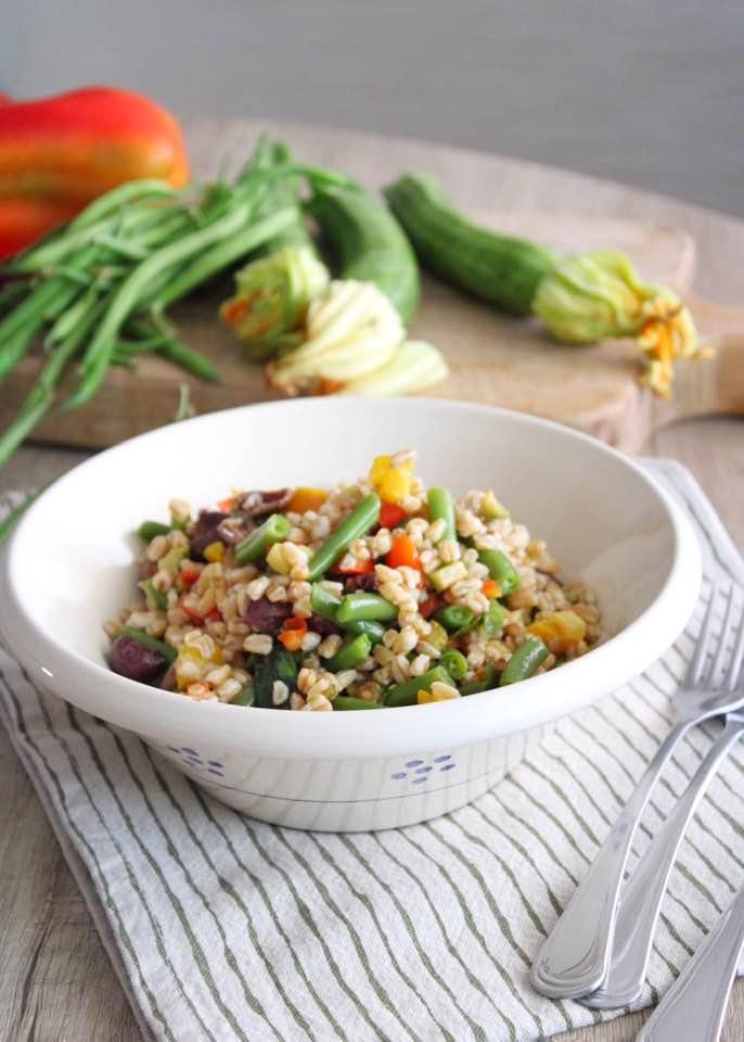 insalata di farro con verdure fredda