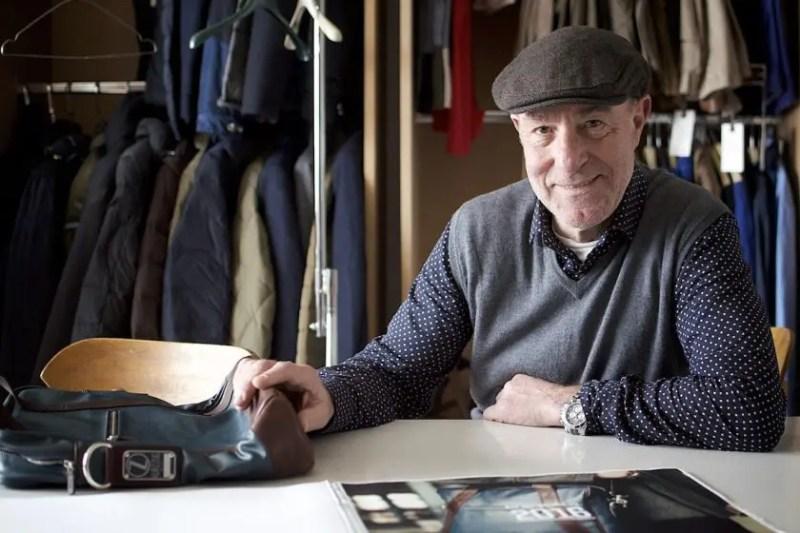 Werner Bischoff, einer der beiden Gründer von Kurzzug, in seinem Atelier   Foto: Monika Schreiner