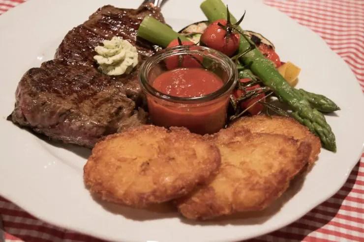 Abendessen im Gasthaus Hirschbichler Inzell   Foto: Monika Schreiner ISARBLOG