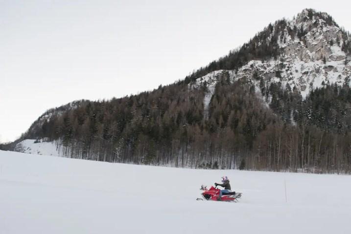 Rasante Fahrt durch den Schnee | Foto: Monika Schreiner