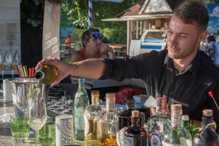 Sundowner an der Bar vom Seehof   Foto: Monika Schreiner
