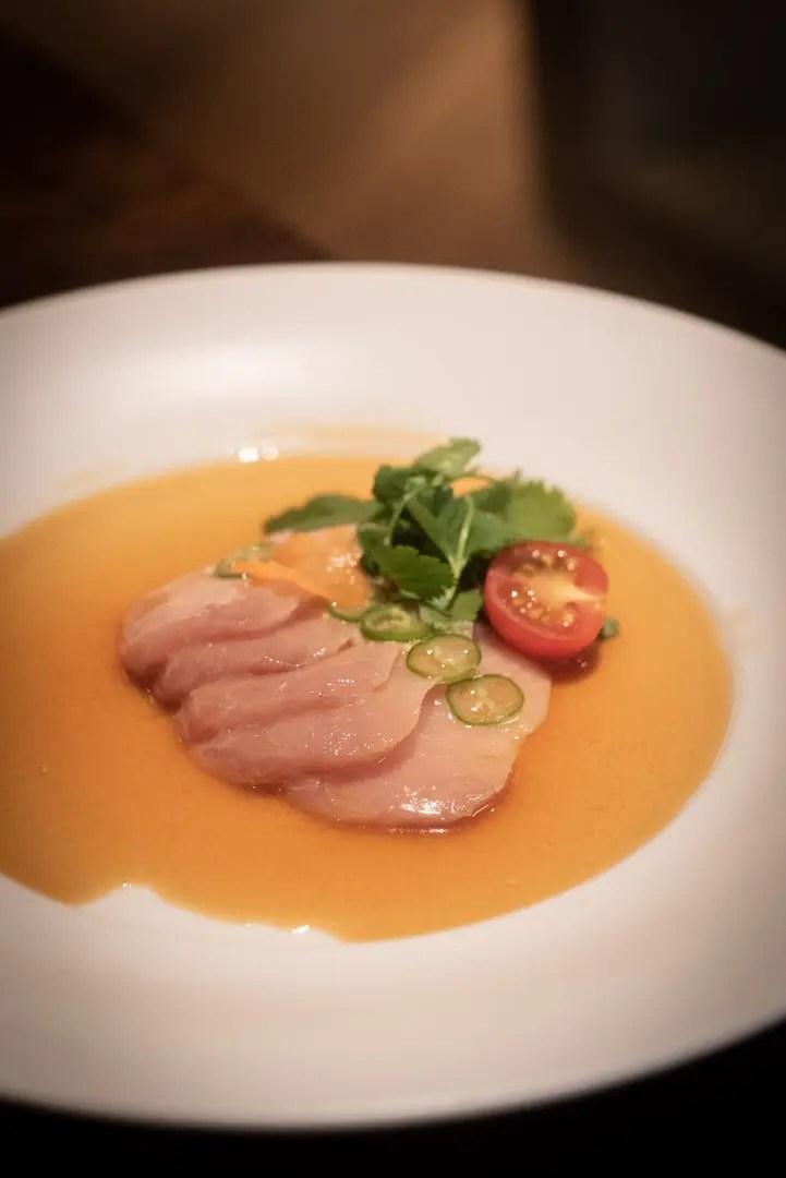 Sashimi von der Gelbschwanzkmakrele / Hamachi mit Jalapeño Matsuhisa Munich Mandarin Oriental München - ISARBLOG