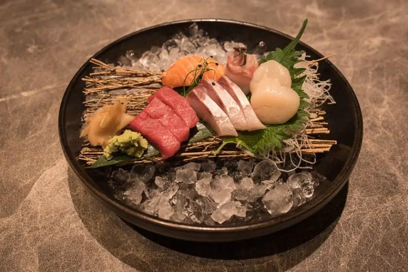 Sashimi im Anoki München Restaurant im Palais an der Oper