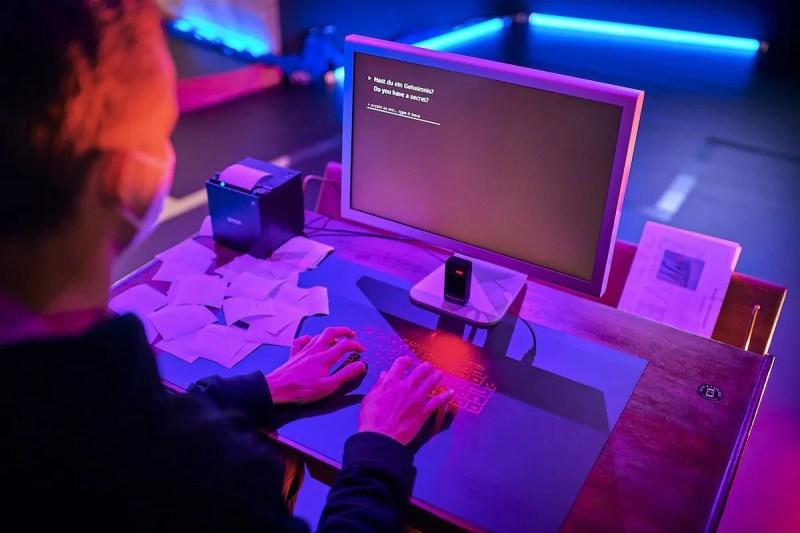 Ein Teil der Interactive Intelligence Kampagne im Studio Odeonsplatz: The Future of Secrets von Sarah Newman