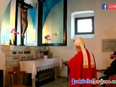 Vescovo Moscone al Crocifisso